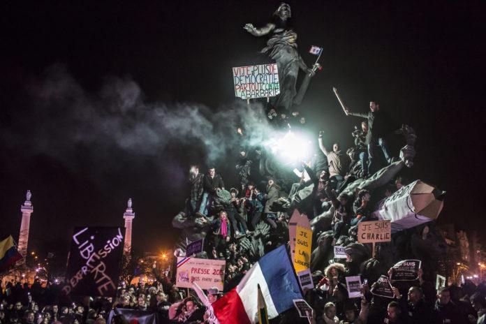 MANIFESTATION A PARIS CONTRE LE TERRORISME SUITE A L'ATTAQUE CONTRE CHARLIE HEBDO ET CONTRE UNE EPICERIE CASHER.